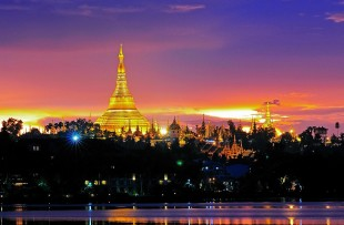 Yangon-Shwedagon night