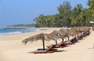 Ngapail beach3