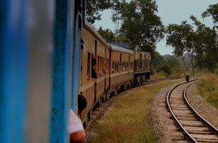 YANGON_CIRCULAR_RAILWAY_MYANMA_JAN_2013_(8493581492)